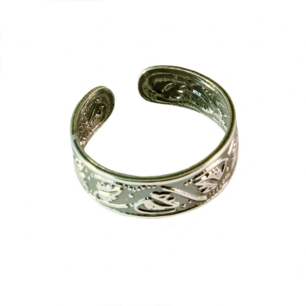 charm school uk gt sterling silver toe rings gt leaves